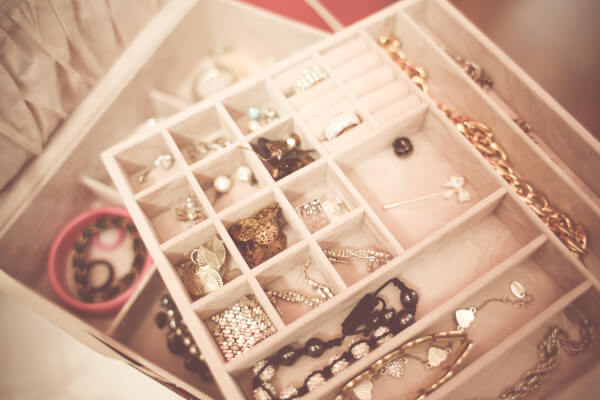 How to clean your jewellery at home