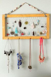 http-::www.just-between-friends.com:2013:02:diy-jewelry-organization