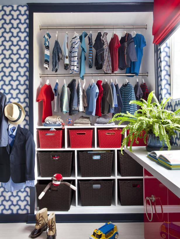 Organising the kids clothes keep calm get organised for Kids room closet ideas