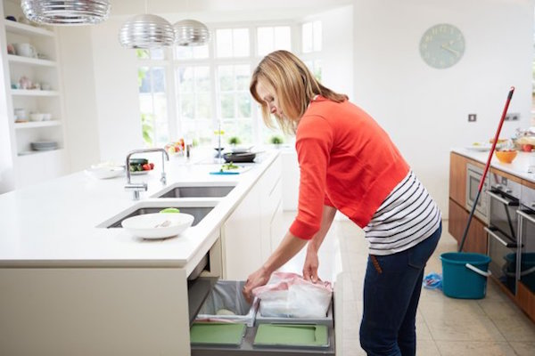 How to clean kitchen bins | Keep Calm Get Organised