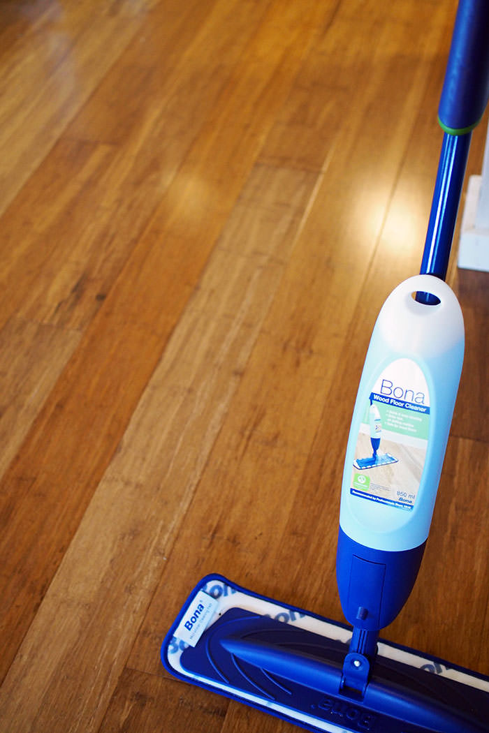 bona spray mop review the 5 tests of a good floor mop. Black Bedroom Furniture Sets. Home Design Ideas