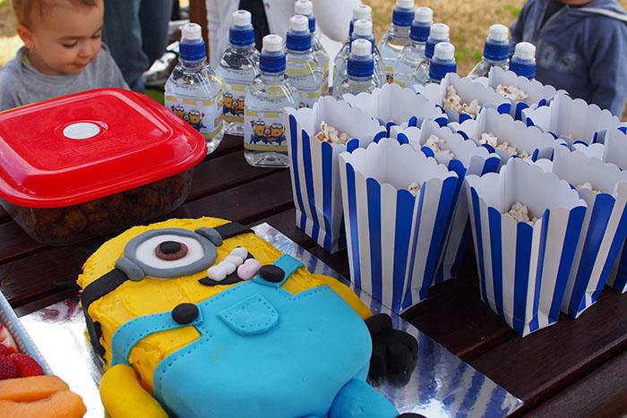 MInion water & popcorn